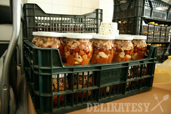 Orechy a sušené ovocie naložené v mede