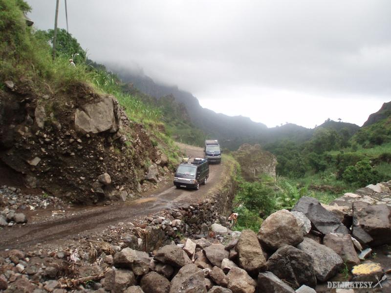 Cesta v údolí