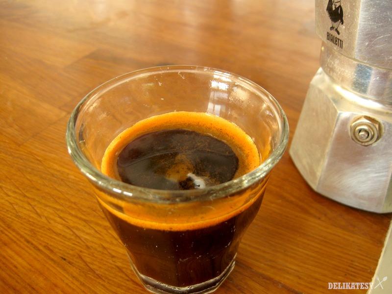 Red Espresso z moka kávovaru