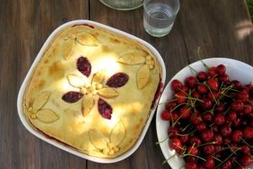 Krehký čerešňový koláč