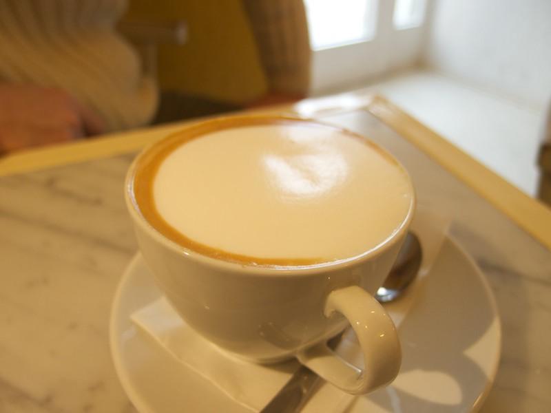 Cappuccino v Gio Café