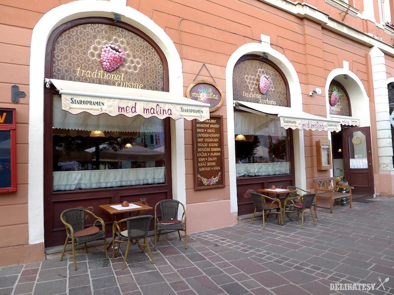 Reštaurácia Med Malina zvonka