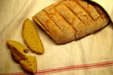 Hotový šafránový chlieb