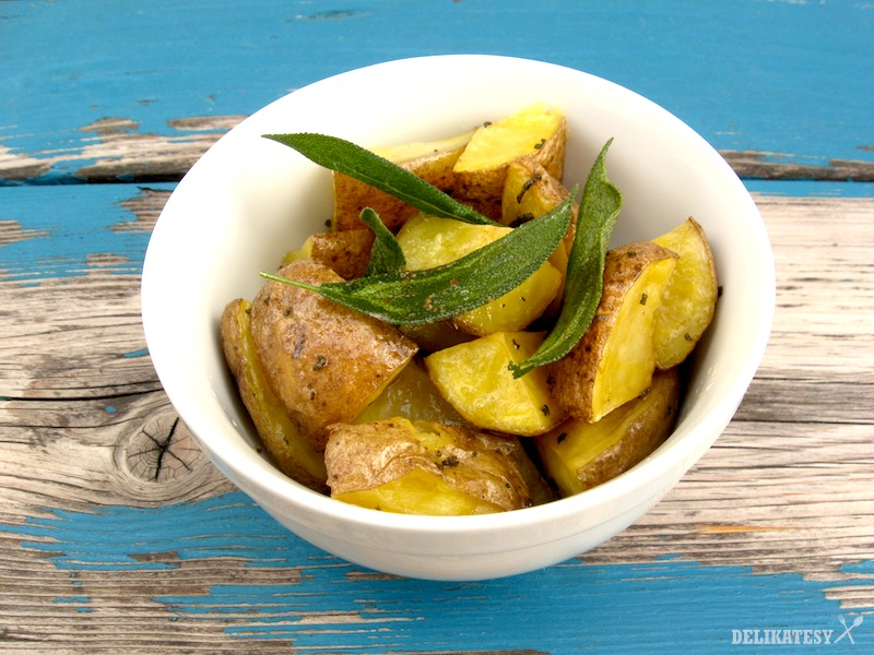 Hotové zemiaky s praženou šalviou