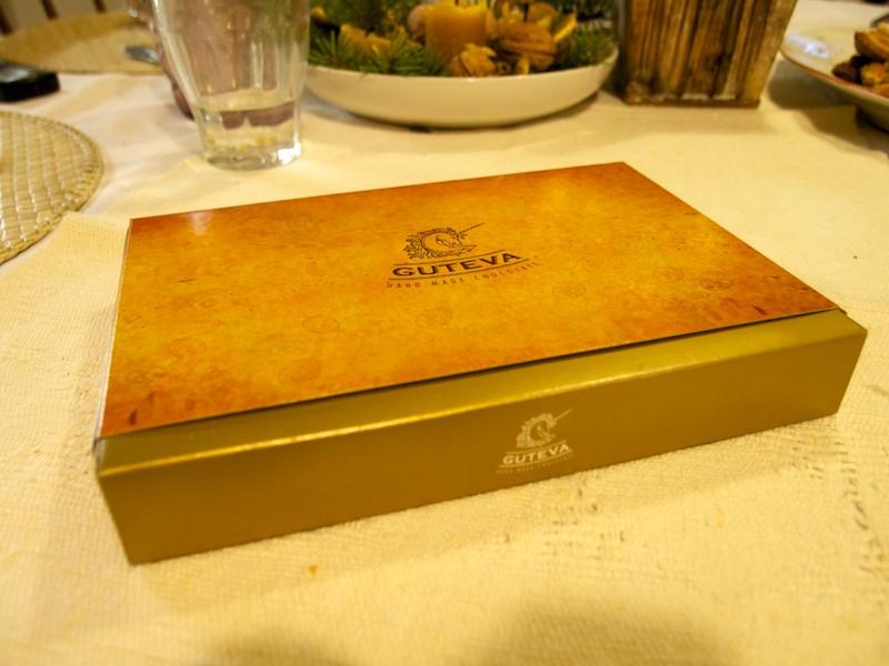 Darčeková krabica s pralinkami