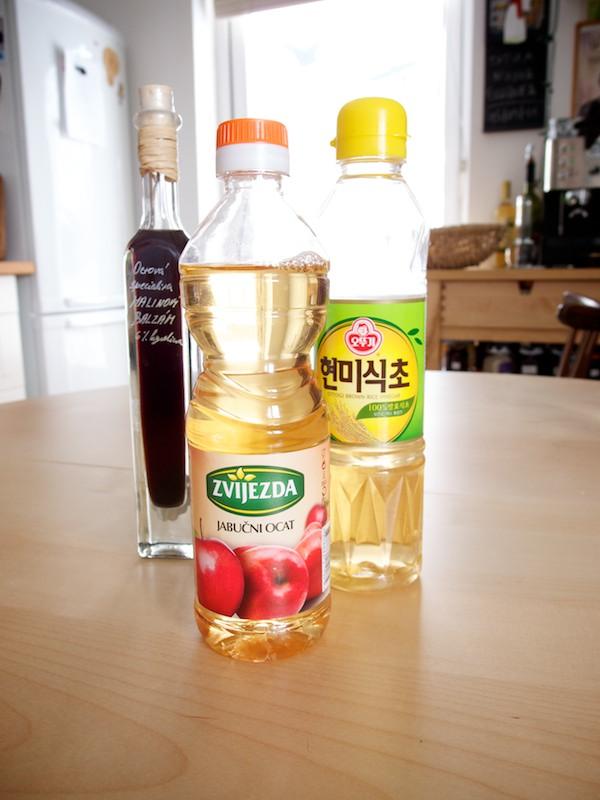Jablčný, ryžový a malinový balzamový ocot