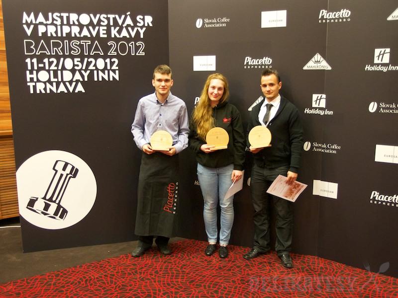 Zľava: Lukáš Podbehlý, Monika Pálová a Rasťo Blažkovič