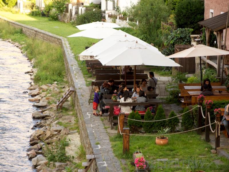 Vonkajšia terasa reštaurácie Laibon