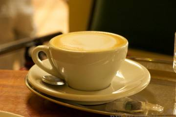 Cappuccino v kaviarni Spolek