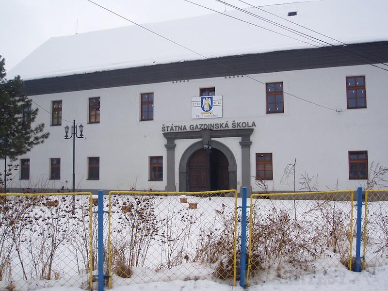Štátna gazdinská škola vo Veličnej
