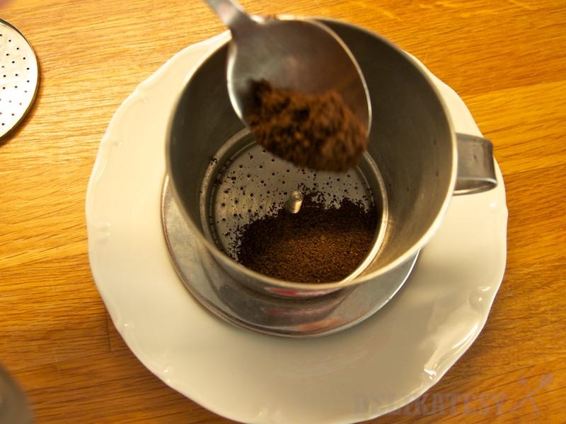 Nedávajte príliš veľa kávy, inak voda nebude vládať prekvapkať