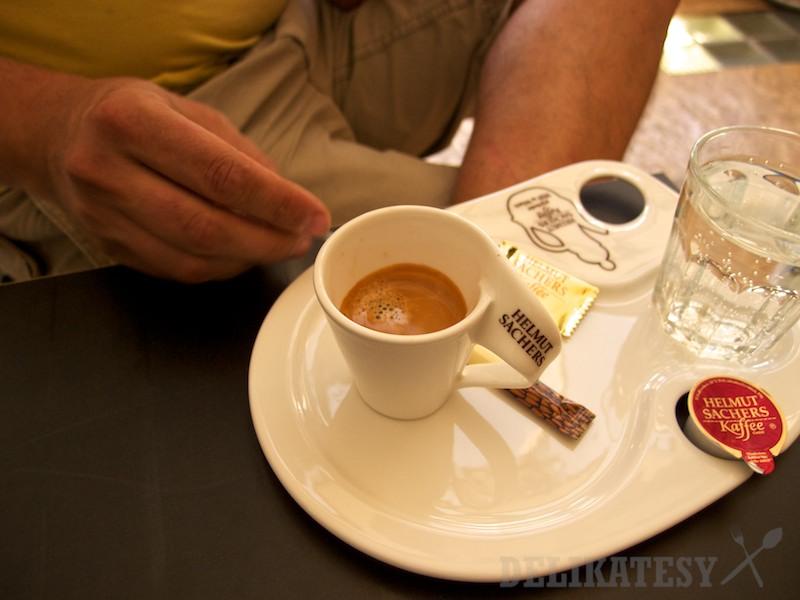 Espresso z pražiarne Helmut Sacher