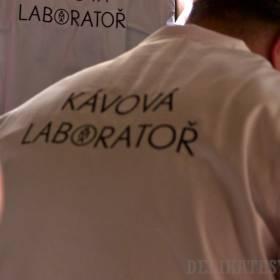 Kaviareň EMA a ich laboratórne plášte