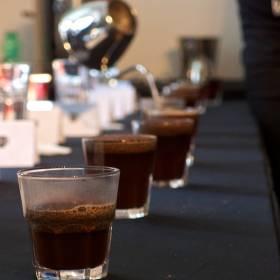 Kávy pripravené na cupping