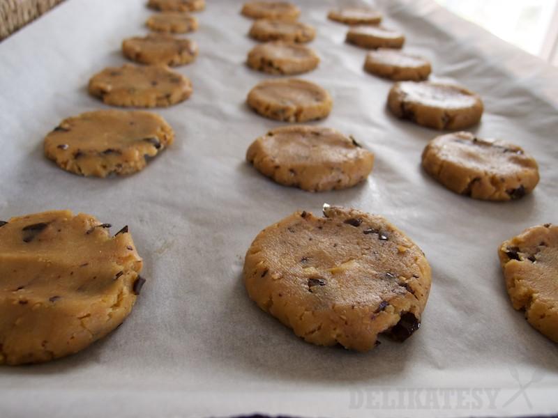 Cookies pripravené na pečenie