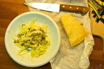 Cuketový šalát so syrom grana padano