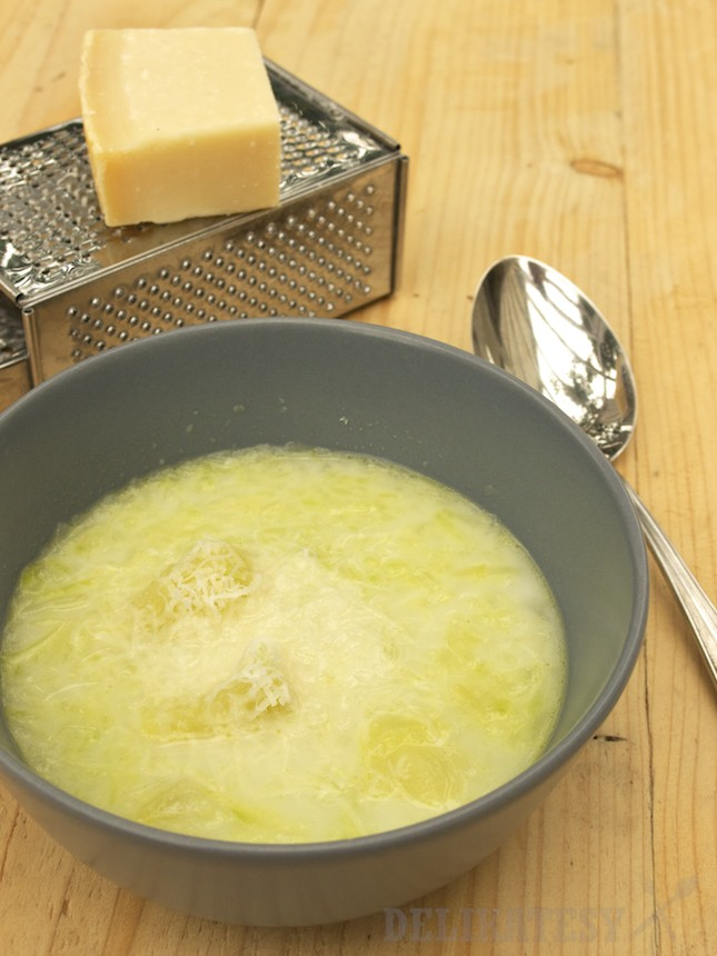 Patizónová polievka s parmezánom
