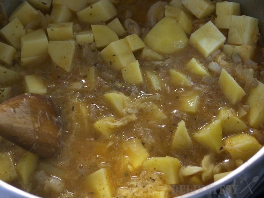 Základ s nastrúhaným zemiakom