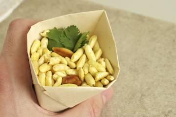 Burizony pražené na masle s korením a arašidmi