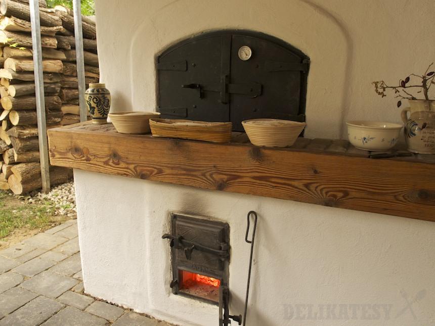 Chlebová pec sa nahrievala 4 hodiny
