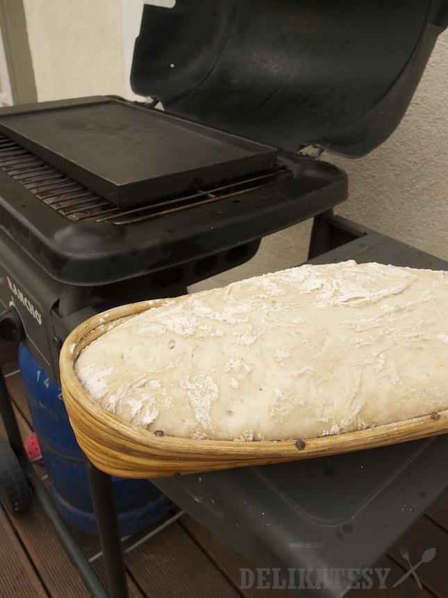 Nakystnutý peceň chleba