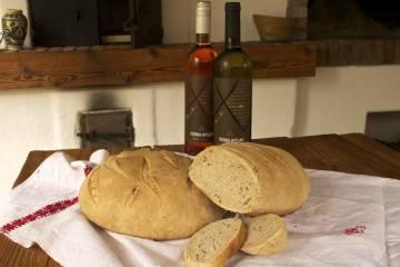 Chlieb, víno a hry