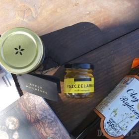 Ľaničníkový olej, mestský med, jablkový lekvár a magazín Usta