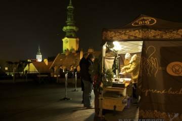 Vrátane výhľadu na nočnú Bratislavu