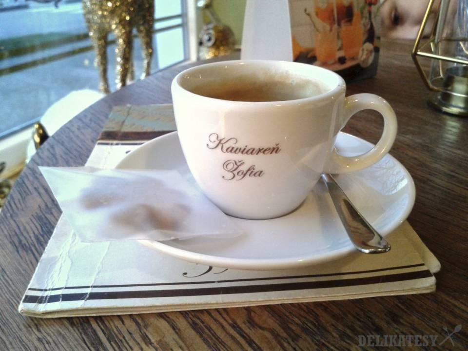 Espresso v kaviarni Žofia