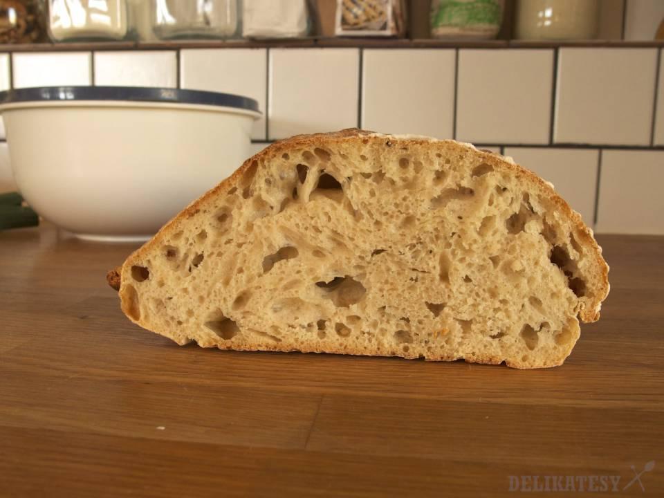 Chlieb #1 nakrojený