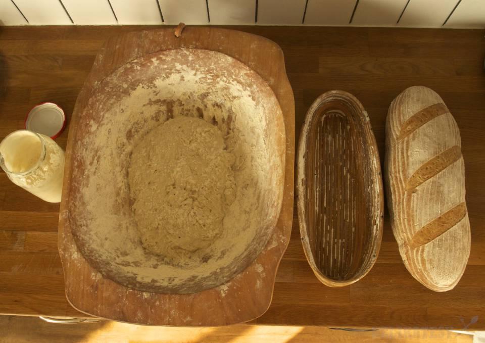 Tri fázy prípravy chleba, chýba kysnutie v ošatke